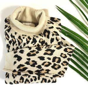 ✨NWT✨ Leopard Ann Taylor Sweater